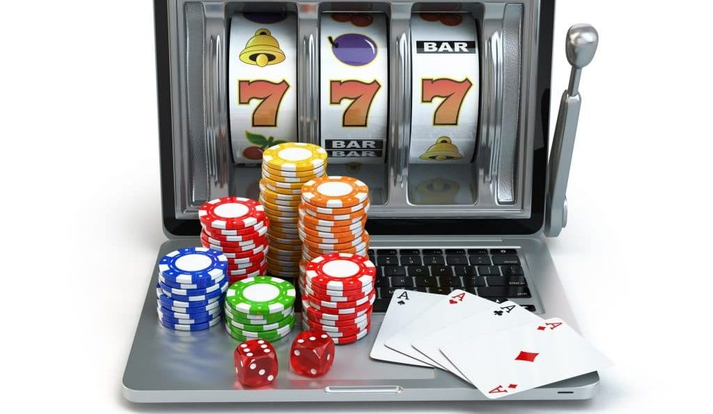 Online Poker Vs. Table Poker – Differences In Gameplay