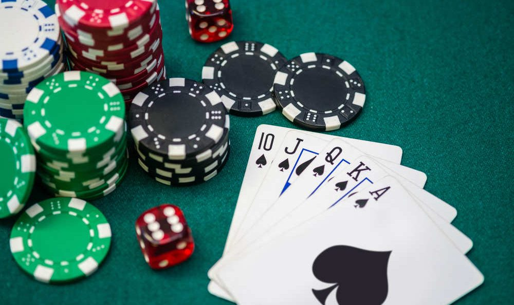 Why You Should Consider Online Gambling